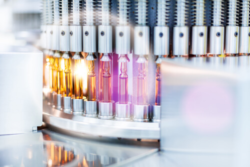 Optical control quality of a vials, pharmaceutical factory.Flare light